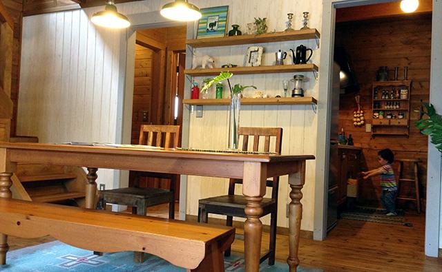 BESSのカントリーログハウス台所